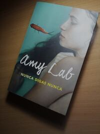 Amy Lab de Nunca Digas Nunca book