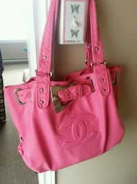 pink Chanel leather tote bag Shearstown, A0A 3V0