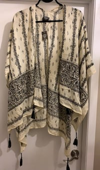 Large scarf new VInce Camuto 100 viscose Gatineau, J8T 5N7