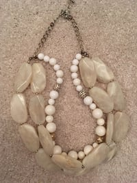 white and brown seashell pendant necklace Naperville, 60540