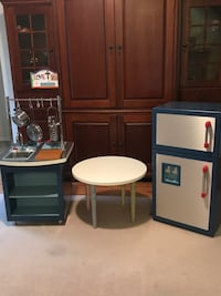 Pottery Barn Kids Play Kitchen and Table Belmont, 28012