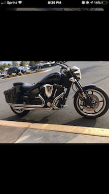 MOTORCYCLE YAHMAHA ROAD STAR 2006 VERY GOOD CONDITION 19000 MILES
