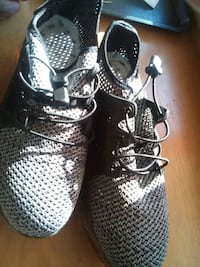 3 stripes-die walkmark, steeltoe shoes. New.
