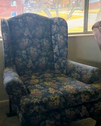 Free Queen Anne style chair