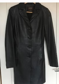 Danier leather trench coat Oakville, L6J 6P1