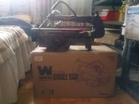 Wen 16 inches variable speed scroll saw.  Delta, V4E 1Z4