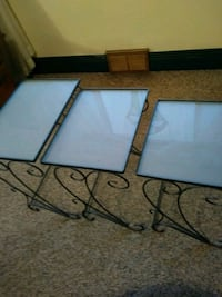 Set of nesting tables Frosted glass Metal base