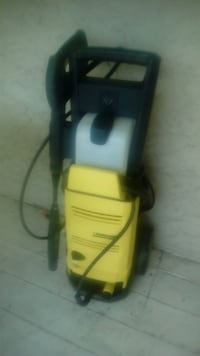black and yellow Karcher pressure washer Central Okanagan, V4T