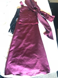 Formal wear two piece purple satin with black gloves and purple shawl Forest Park, 60130