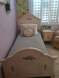 Child's Bed with matching Nightstand Las Vegas, 89147
