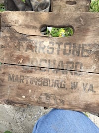 2 vintage crates with no bottom Hedgesville, 25427
