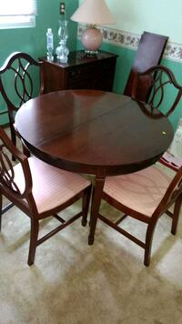 Last chance dining room table Kitchener, N2A 2V5