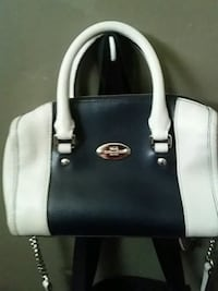 black and white leather tote bag London, N5Z 2A4