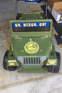 Kids Jeep. Electric. Comes with working battery. Pick up in georgetown Halton Hills, L7G 6N6