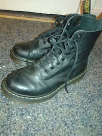 Pascal doc martens size 7 womens Vancouver, V5N 3T6