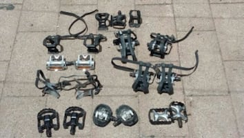 Bicycle pedal lot