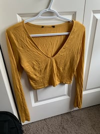 Yellow long sleeve cropped shirt