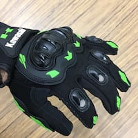 Kawasaki motorcycle gloves Mississauga, L5C