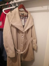 Beige trench coat Linköping, 583 34