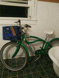 green and white cruiser bike Daleville, 24083