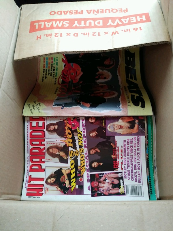 Big box of Rock/Alternative Music Mags 06d76ac7-f274-408f-931a-79c3136ef1b5