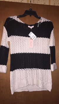 white and black knitted sweater Pineville, 71360