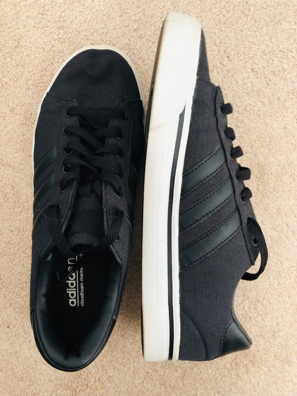 Men's adidas neo cloudfoam footbed black size 8.5  (pick up only) f08c3c11-03a3-49cb-bcf5-96dd2ef77789