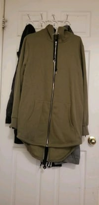 mens small green hoodie  Mississauga, L5W 1V7