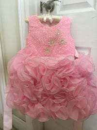 pink beautiful dress(for any occasion)1-4yrs old new never worn Toronto, M3J 1W7