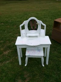 white wooden table with chair Fort Valley, 31030