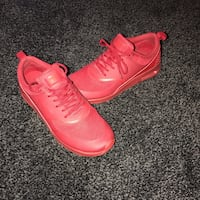 Red Nike Air Max Thea Pickering