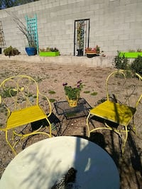 Cute natural wood 2 wrought iron chairs Phoenix, 85020