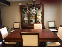 Broyhill dining table and hutch Noblesville, 46060