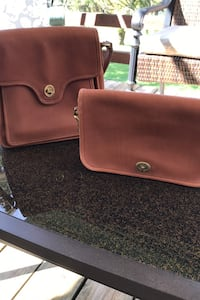 Leather clutch and satchel  Gibsonia, 15044