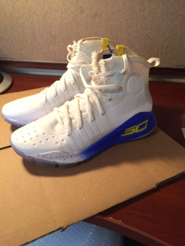 on sale a6a9d a3d2e Stephen Curry Under Armour Curry 4 (size 11) **100% AUTHENTIC**