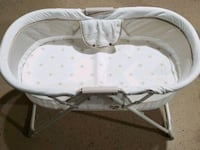 Portable bassinet  Chicago Heights, 60411