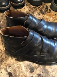 One pair Dr. comfort Chukka dress boots Size 10.5 W