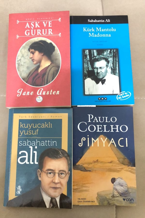 4 kitap 62bb751c-1d85-40be-a5a3-81742c58fd6b