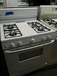 Ge stove gas exellnts condition  Baltimore, 21223