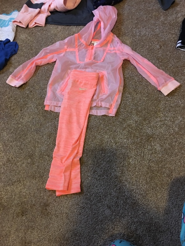 3t Nike sweat suit for girl