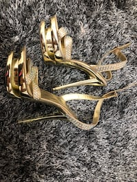 Gold with diamonds stilettos/ size 7.5-8 Mississauga, L5L 0A4