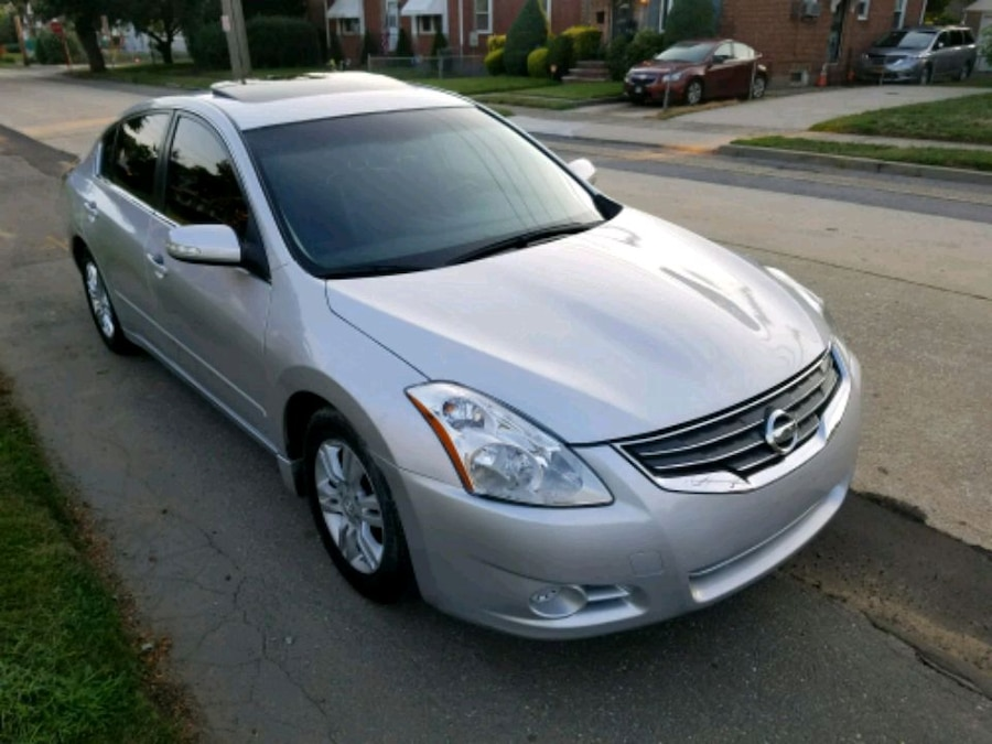 2012 Nissan Altima 2.5SL Fully Loaded Clean Title