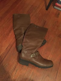 Boots. Size 7.5   $15