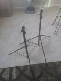 2 tripods both fully retractable