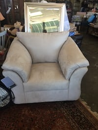 Brand New! Ashley Furniture! Oversized chair Royston, 30662
