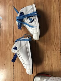 Phat farm size 8 white and blue shoe