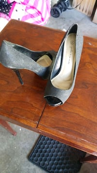 Size 7 shoes  Kitchener