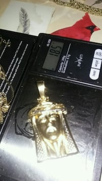 Solid 10k jesus head pendent hallmarked. Solid gold  well built . Toronto, M9V 3C3