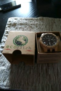 Wood watch brand new never used Calgary, T2Z 4N8