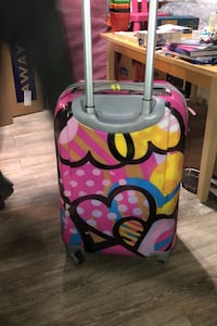 Carry on suitcase spinner  Germantown, 20874